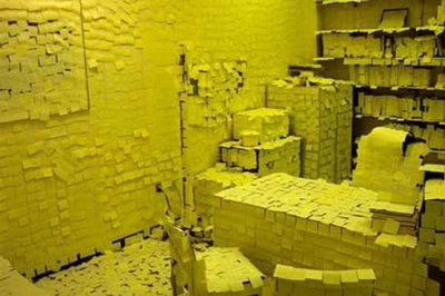 Funny Office Pranks post it note
