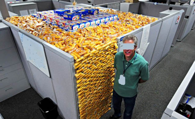 Funny Office Pranks Twinkies In Cubicle