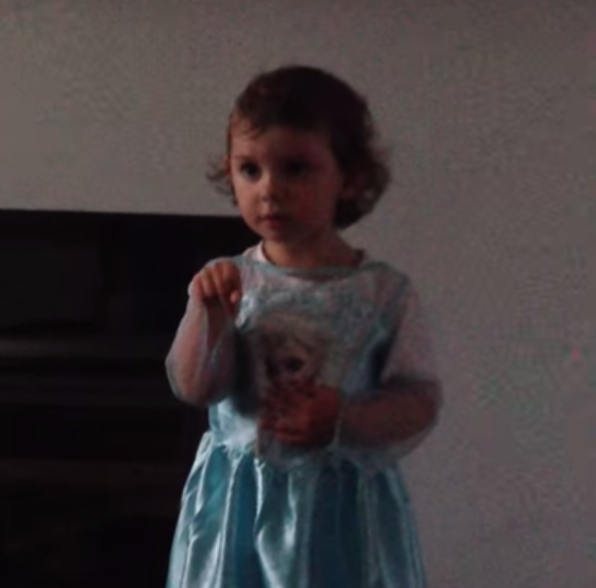toddler singing frozen